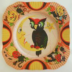 Halloween Magic, Retro Halloween, Halloween Signs, Happy Halloween, Halloween Decorations, Halloween Party, Vintage Toys, Vintage Decor, Moon Art