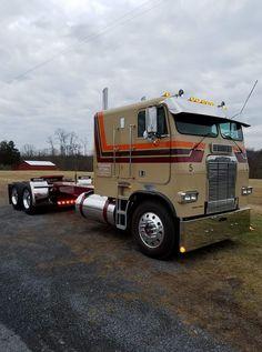 Big Rig Trucks, New Trucks, Custom Trucks, Cool Trucks, Small Trucks, 4x4 Camper Van, Truck Transport, Freightliner Trucks, Custom Big Rigs