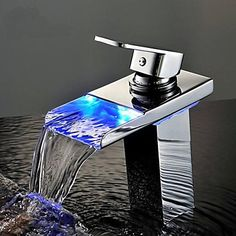 Personalized Bathroom Sink Faucet Contemporary Chrome Finish Brass Single Handle Waterfall with LED Light - USD $ 86.39