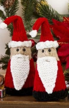 Santa Gnome Ornaments FREE PATTERN ♥4300 FREE patterns to knit ♥ http://pinterest.com/DUTCHYLADY/share-the-best-free-patterns-to-knit/