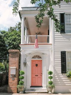 Ideas Exterior House Colors Colonial Living Rooms For 2019 Cottage Shutters, Window Shutters Exterior, Exterior Stairs, Exterior Front Doors, Black Shutters, Front Entry, Entry Doors, Best Exterior Paint, Exterior Paint Colors For House