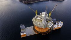Rocketumblr   Goliat platform &Dockwise Vanguard