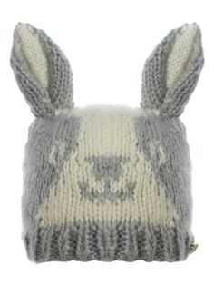 I want this hat either in black , blue or chocolate like my bunnies <3