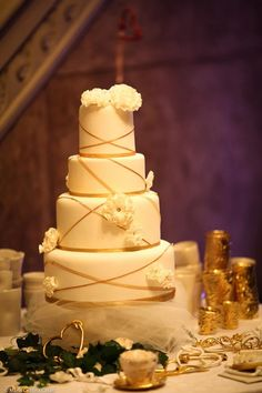 Gold wedding cake Per ForWedding Milano Foto Maria Cristina Casati www.lallabycakes.blogspot.it