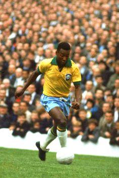 Edson Arantes do Nascimento. 'O Rei Pelé'. Brasil. Delantero/Striker. Santos (1956-1974). Cosmos de Nueva York (1975-1977). Only player that have won 3 World Cups/Único ganador de tres Copas del Mundo: Suecia 1958, Chile 1962 y México 1970.