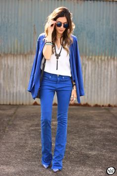 http://fashioncoolture.com.br/wp-content/uploads/2015/07/FashionCoolture-22.07.2015-look-du-jour-Shoulder-royal-blue-outfit-summer-6.jpg