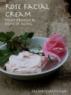DIY Masque : Description A luxurious homemade rose facial cream to fight off dryness and aging (in a recipe from India) Homemade Skin Care, Homemade Beauty Products, Diy Skin Care, Homemade Facials, Homemade Facial Moisturizer, Homemade Face Lotion, Homemade Rose Water, Tinted Moisturizer, Crema Facial Natural
