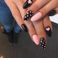"""#artnailsmilenajakubowska #knitnail #knitnail #sweaternails #sweater #autumnnails #nails2inspire #nailstagram #nails #artmani #artnails"""