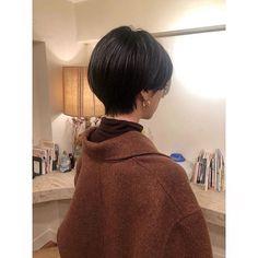 Pin on hair Short Hair Cuts, Short Hair Styles, Grow Out, Short Bob Hairstyles, Ulzzang Girl, Hair Art, Hair Pins, Hair And Nails, Hair Makeup