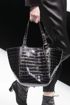7301b4ba276f Giorgio Armani at Milan Fall 2017 (Details) Beautiful Bags