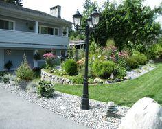 Cool Front Yard Garden