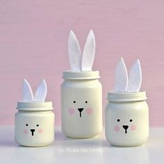 Mason jar crafts are a really easy way to add spring accents in your home for Easter. Here are 15 cute and colorful Easter and spring Mason jar ideas, like Easter bunny jars and Easter bunny nests. Baby Food Jar Crafts, Easter Crafts For Kids, Mason Jar Crafts, Crafts For Teens, Fun Crafts, Easter Ideas, Easter Decor, Baby Jars, Baby Food Jars