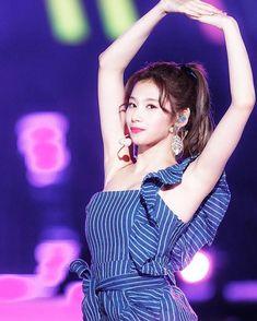 Kpop Girl Groups, Korean Girl Groups, Kpop Girls, K Pop, Twice Jyp, Sana Minatozaki, Twice Sana, Dahyun, Mode Chic