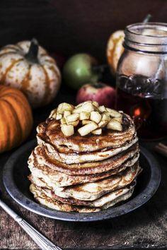 masala chai pumpkin pancakes with caramel apples