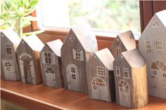 Scrap Wood Crafts, Wood Block Crafts, Wood Projects, Woodworking Projects, Woodworking Workshop, Diy Christmas Village, Rustic Christmas, Christmas Crafts, Ceramic Houses