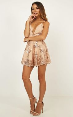 Boys Lining Up Playsuit In Rose Gold Sequin Sexy Dresses, Cute Dresses, Summer Dresses, Tight Dresses, Pretty Outfits, Beautiful Outfits, Girl Outfits, Casual Outfits, Mode Simple