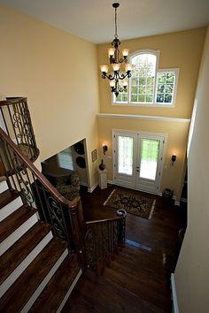 Pickets, wood floor color