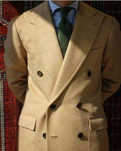 Baby camelhair coat by @cesareattolininapoli | Vía @attire_house  #STYLECOMPENDIUM . . . #cesareattolini #cesareattolininapoli #menswear #menstyle #tailoring #sastreria #overcoat #luxurymenswear #bespoke #bespoketailoring #sprezzatura #attirehouse #menwithstyle #menwithclass #abrigos #stripestie #styletips #styleinspo #classicmenswear #modahombre #sartorialist #sumisura #sartoria #sartorialist #modamasculina #pittiuomo #sartorianapoletana #italianstyle #italiantailoring