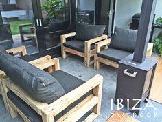 Leuke foto ontvangen van Paul uit Heiloo met in zijn achtertuin op de veranda de stoere ibiza banken , bij interesse graag even mailen naar ibizaoutdoor@gmail.com ook voor een afspraak in de loods. gr Mees