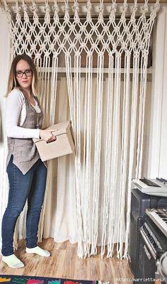 A partir da corda pode ser feito com as suas próprias mãos a cortina ou cego na arte de macrame