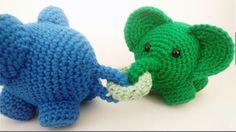 Hæklet elefantkæde Crochet Baby Toys, Crochet For Kids, Crochet Animals, Diy Crochet, Crotchet Patterns, Baby Knitting Patterns, Amigurumi Patterns, Baby F, Diy Baby