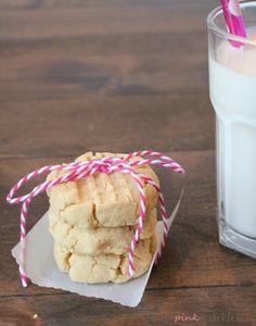 Coconut Flour Shortbread Cookies | the pink sprinkle