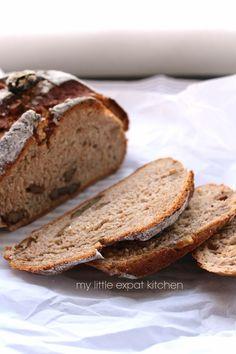 My Little Expat Kitchen: Rye bread (+ rye bread with walnuts and sun-dried tomatoes) Honey Oat Bread, Whole Wheat Banana Bread, Apple Cinnamon Bread, Healthy Homemade Bread, Rye Bread, Yeast Bread, Walnut Bread Recipe, Quinoa Bread, Kitchens