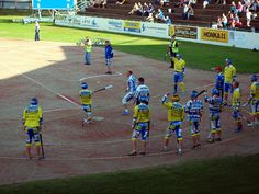 Jogo de beisebol em Alajärvi, província de Finlândia Ocidental, Finlândia. Fotografia: Santeri Viinamäki. Games, Hs Sports, Fotografia, Gaming, Plays, Game, Toys
