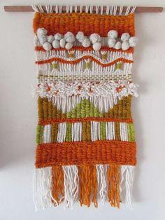 Telar decorativo en lana natural