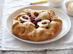 Pear and Cranberry Crostata - #Thanksgiving #ThanksgivingFeast #Dessert