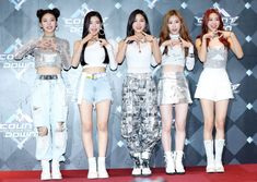 190228 — Ryujin with ITZY on Mnet M Countdown Photo Time today 💕 Stage Outfits, Kpop Outfits, Dance Outfits, Kpop Girl Groups, Korean Girl Groups, Kpop Girls, K Pop, Kpop Costume, Kpop Fashion