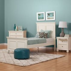 Guaranteed to be a customer favorite, the Sandy Shore offers a sophisticated look that is sure to transition well with your growing child or make a bold statement in a spare bedroom. It is the ultimate in durability with solid Mahogany and Mahogany veneer construction with solid bed slats, solid ...