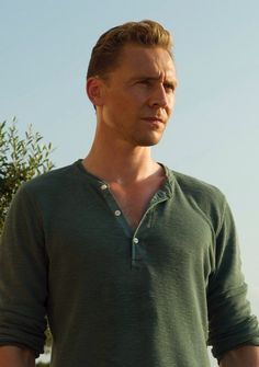 ‏@Hiddles_Page 1 h1 ora fa Tom Hiddleston as Jonathan Pine in The Night Manager. via torrilla