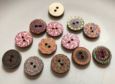 Printed colored two hole wooden craft sewing round buttons 15mm - 25 buttons