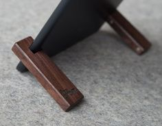 The COBURNS : Small, Versatile, and Beautiful iPad Stands That You Can Keep Inside Your Pocket