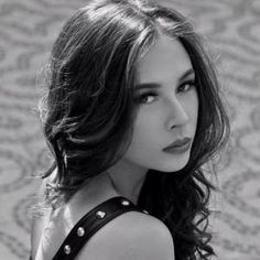 Malese jow is too gorgeous. I just loveee her. Hottest Female Celebrities, Beautiful Celebrities, Beautiful Women, Celebs, Malese Jow, Brunette Girl, Powerful Women, Woman Face, Pretty Woman