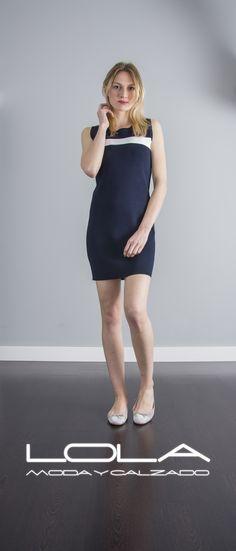 Lucir un vestido de punto con esta clase por 40 € parece increíble, pero créenos, es cierto.  Pincha este enlace para comprar tu vestido en nuestra tienda on line:  http://lolamodaycalzado.es/primavera-verano/566-vestido-de-punto-azul-marino-sophyline.html
