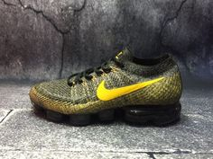 Nike Air VaporMax Grey and Yellow For Sale Men's Outfits, Casual Outfits, Nike Basketball Shoes, Fashion Shoes, Sneakers Fashion, Discount Nikes, Nike Air Vapormax, Street Styles, Nike Free