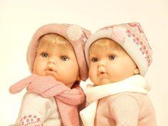Nines Artesanals d'Onil - Tita, muñeca bebé con chupete (1080): Amazon.es: Juguetes y juegos