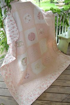 shabby chic quilts | ... Chic Look Rose Pink Peach Floral Romantic Victorian Shabby Chic Quilt
