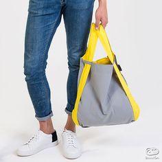 小さく折りたたんで、軽くて丈夫でどこにでも持っていけるショッピングバッグを再発明しました。これまでの手提げから、リュックにも変化して快適。