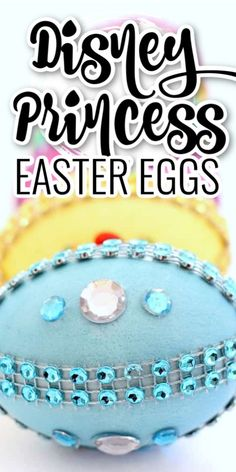 Disney Princess Easter Eggs - These Disney Easter eggs are super easy and so much fun to make. Even the littlest princess can decorate Easter eggs inspired by their favorite Disney character! They'll love seeing how pretty their holiday craft turns out! Disney Easter Eggs, Easter Candy, Easter Food, Holiday Ham, Holiday Crafts, Easter Crafts, Crafts For Kids, Easter Decor, Disney Princess Party