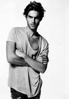 Jon Kortajarena // Follow Oscar BCN for more fashion celebrities!