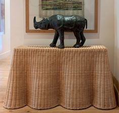love wicker, love the look of a draped table