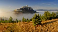 Spis Castle Slovakia - The largest castle in Central Europe Castle Ruins, Medieval Castle, Beauty Around The World, Around The Worlds, Heart Of Europe, Castle In The Sky, Central Europe, Beautiful Landscapes, Places To See