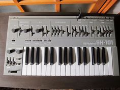 MATRIXSYNTH: Roland SH-101 Vintage Synthesizer SN 319262