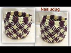 Tas tali kur 42 kepala motif labirin - YouTube Free Crochet Bag, Crochet Art, Learn To Crochet, Crochet Stitches, Tatting Jewelry, Macrame Jewelry, Macrame Bag, Macrame Knots, Motif Zigzag