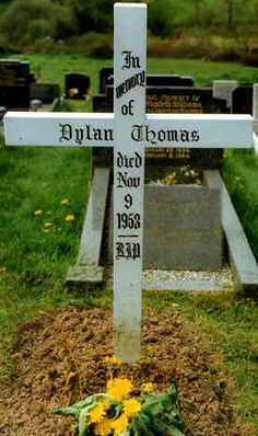 Dylan Thomas grave in Laugharne church yard