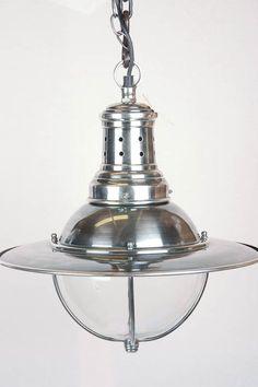 1930 Britny Lamp No 2. Industriële lamp. Een 30er jaren lamp uitgevoerd in oud zilver, onberispelijk en mooi gelakt!