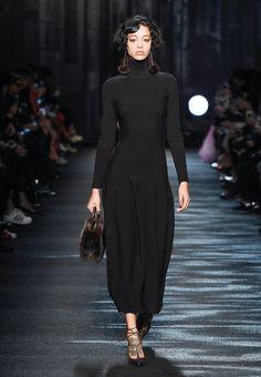 Moonlit Nocturne – Blumarine Fall Winter Fashion Show - those earrings :) Winter Fashion 2016, Fashion 2017, Runway Fashion, Fashion Outfits, Fall Fashion, High Fashion, Abaya Style, Abaya Fashion, Modest Fashion